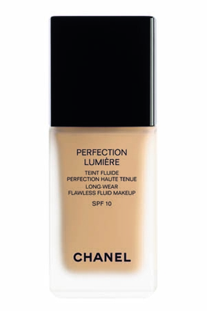Simone Loves Makeup Chanel Perfection Lumiere Foundation