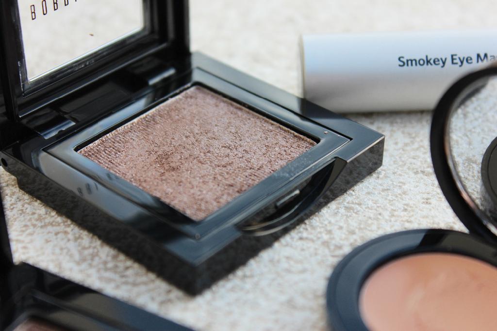 Bobbi Brown Sparkle Eyeshadow Cement