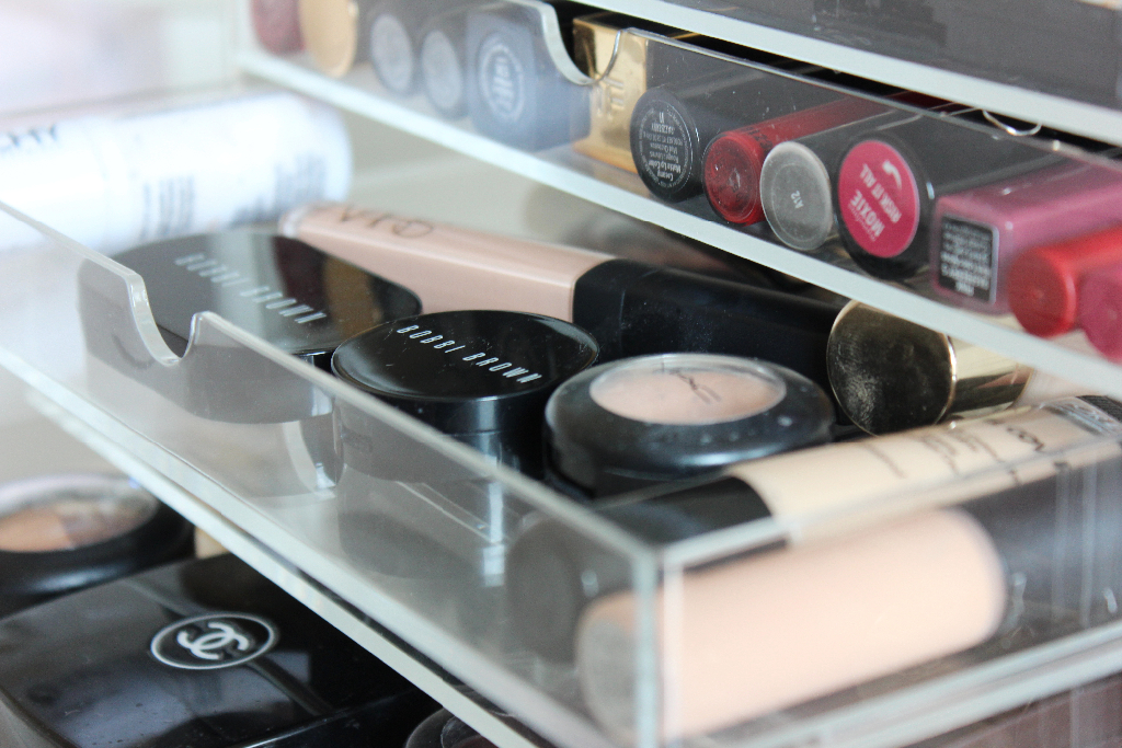 Muji makeup storage - concealer